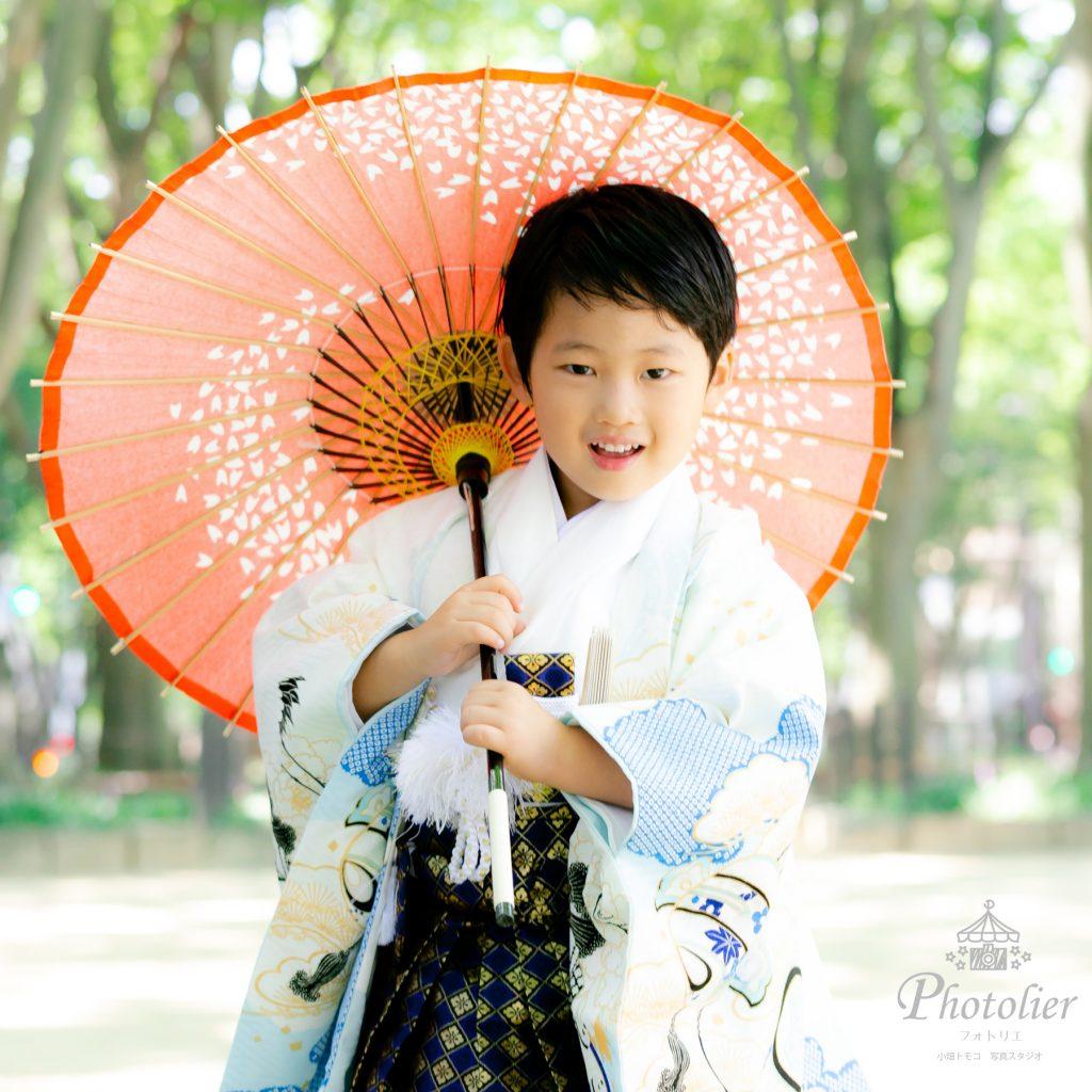仙台定禅寺通りで七五三記念の男の子